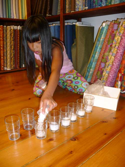 measuring-into-cups